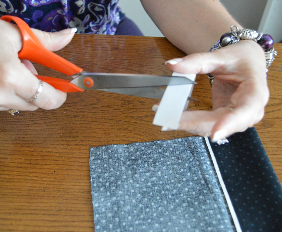 How to Temporarily Fix a Hem