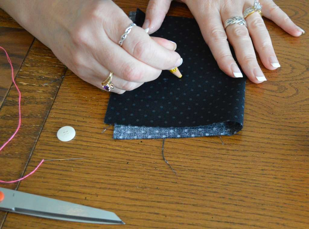 How to Sew on a Button in 12 EASY steps!