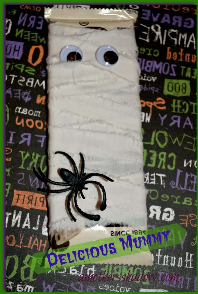 Halloween-Candy-Bar-Mummy-1