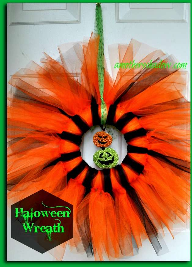 Easy Halloween Wreath or Grave Decoration