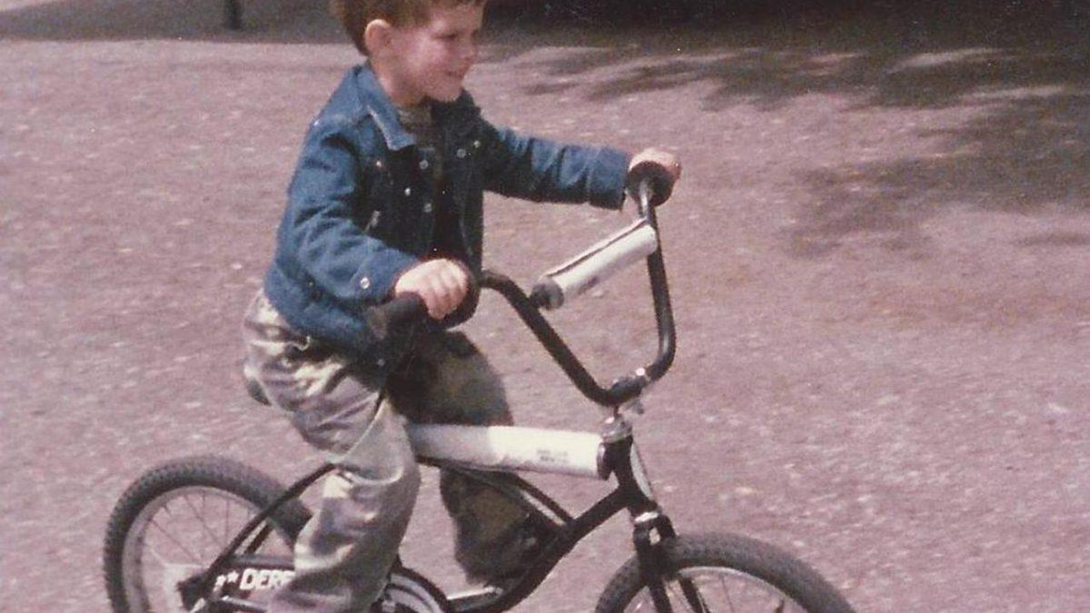 01 Derek on Bike