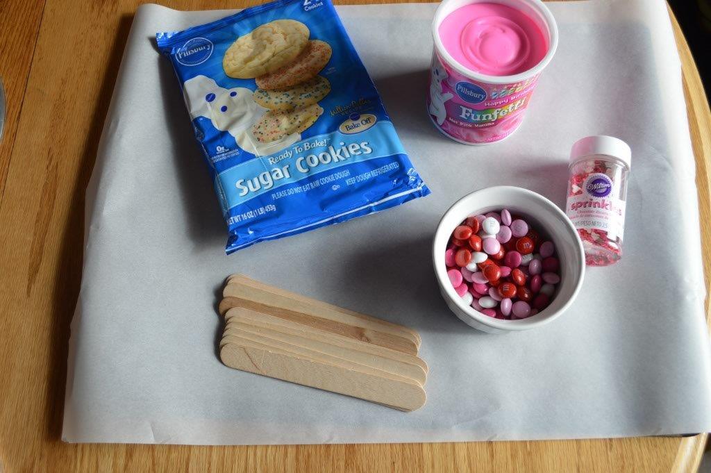 Valentine Cookie Pops 1