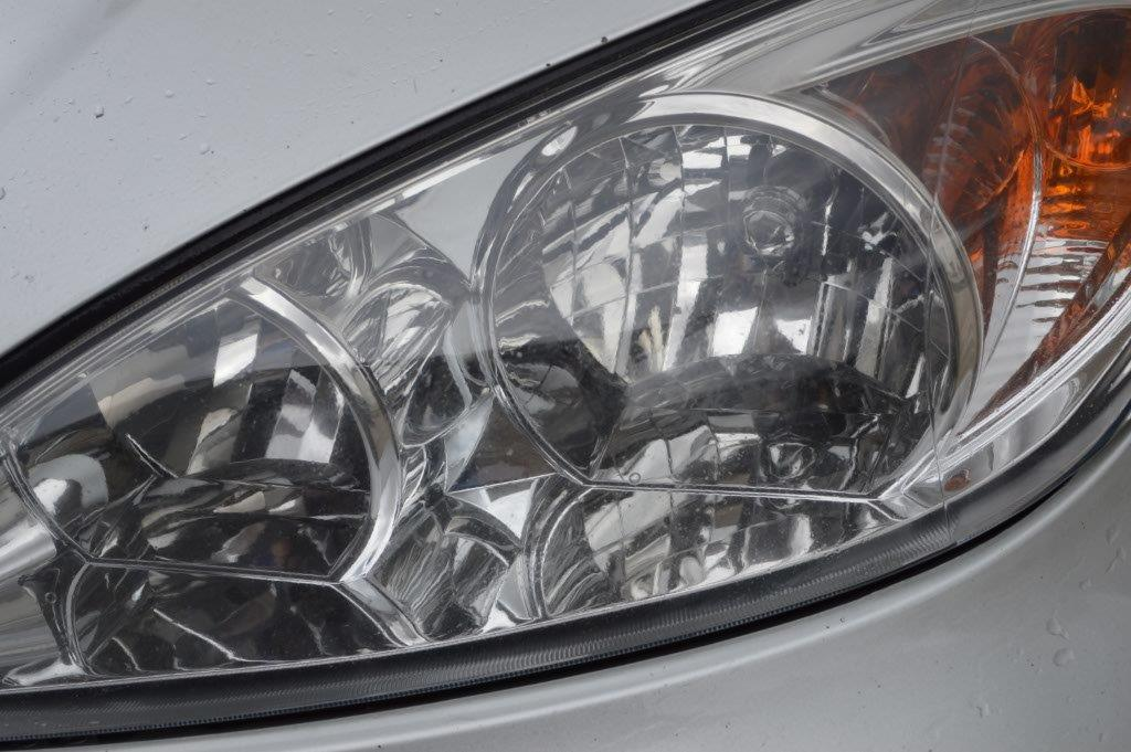 How to clean your headlights yourself