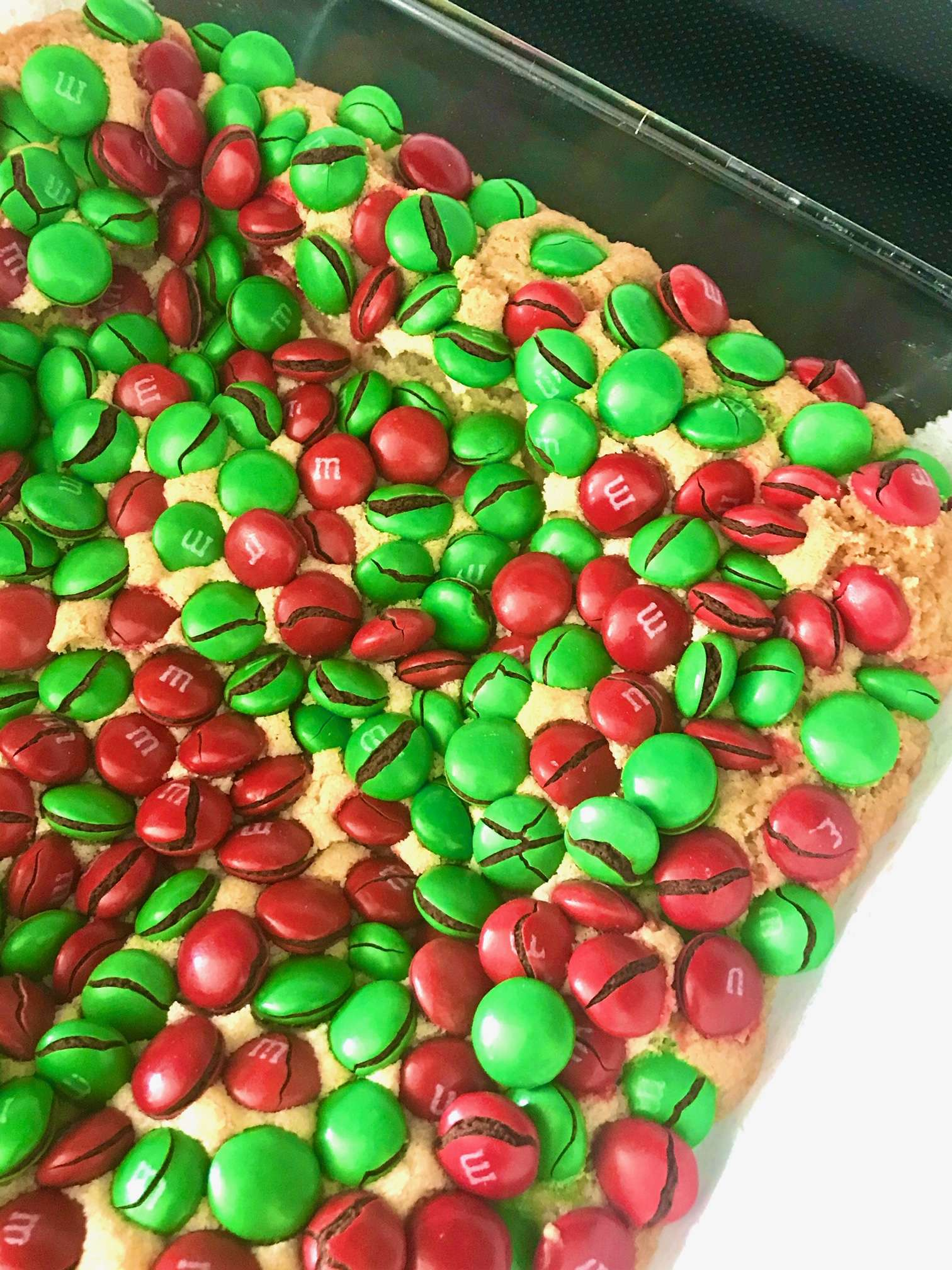 Christmas MandM Sugar Cookie Bars