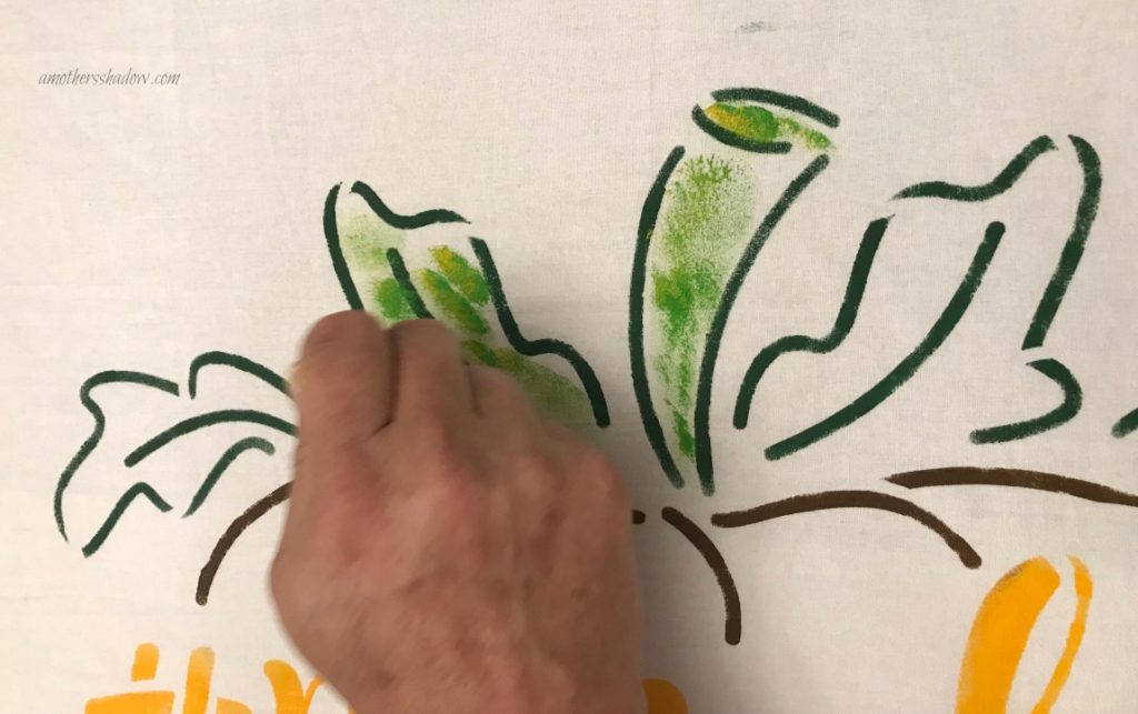 DIY Stenciled Thanksgiving Kitchen Towels